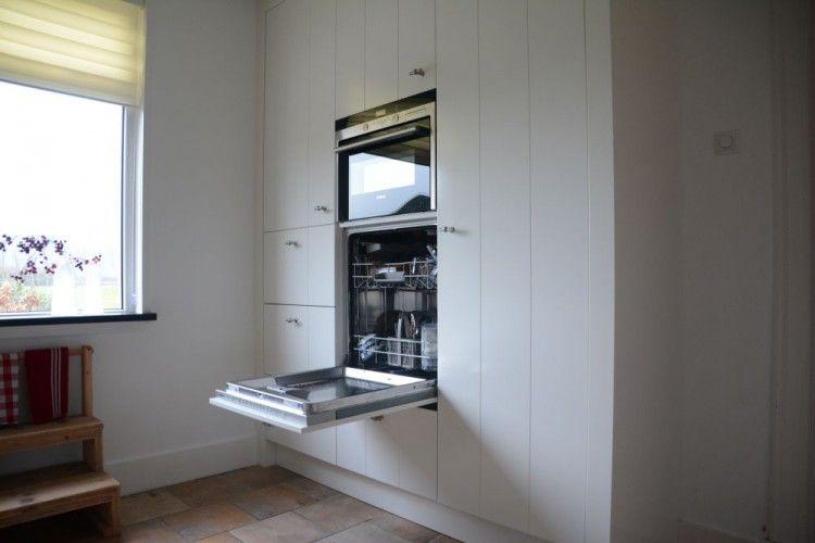 Keuken wit met v-groef Elst | VRI-Interieur - keukens | Pinterest ...