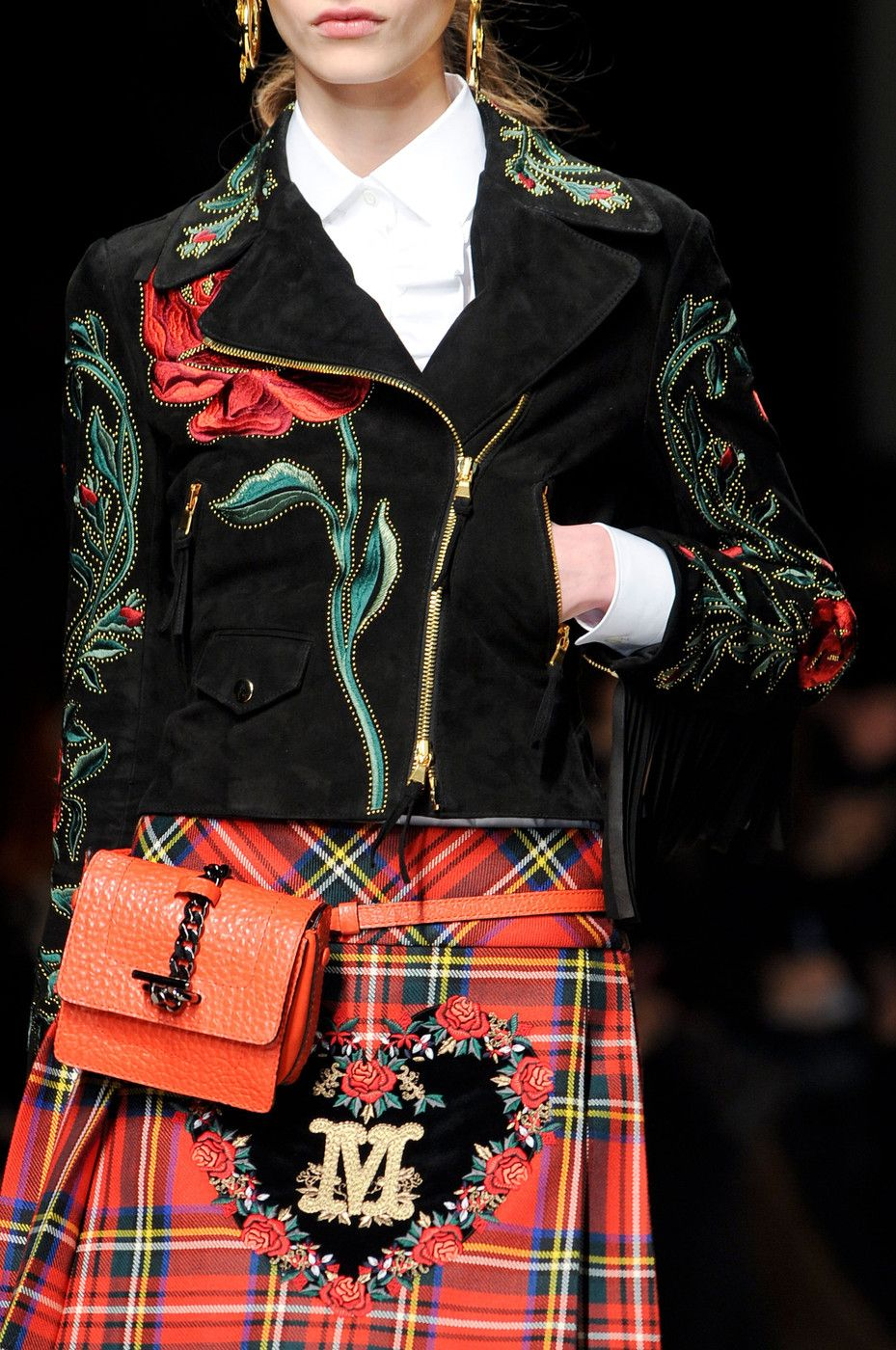 Moschino at Milan Fashion Week Fall 2013 | tartan dress ... Тартан Платье