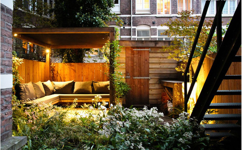 Pin By Lara Westcott On Soph Aaron Urban Garden Design Small City Garden Small Urban Garden
