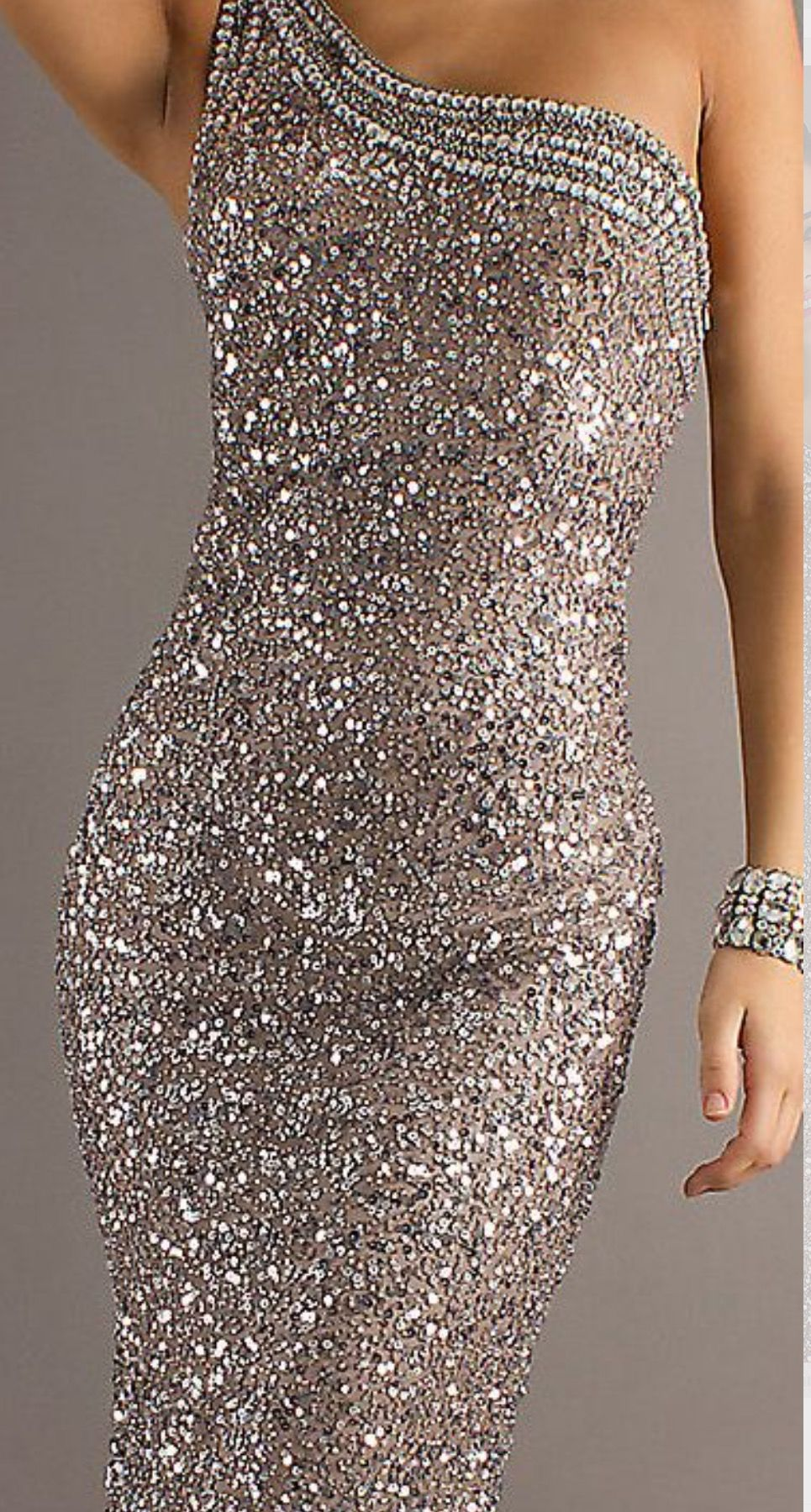 Dress With Sparkle Dazzling Dress Glamorous Evening Gowns Trending Dresses [ 1800 x 965 Pixel ]