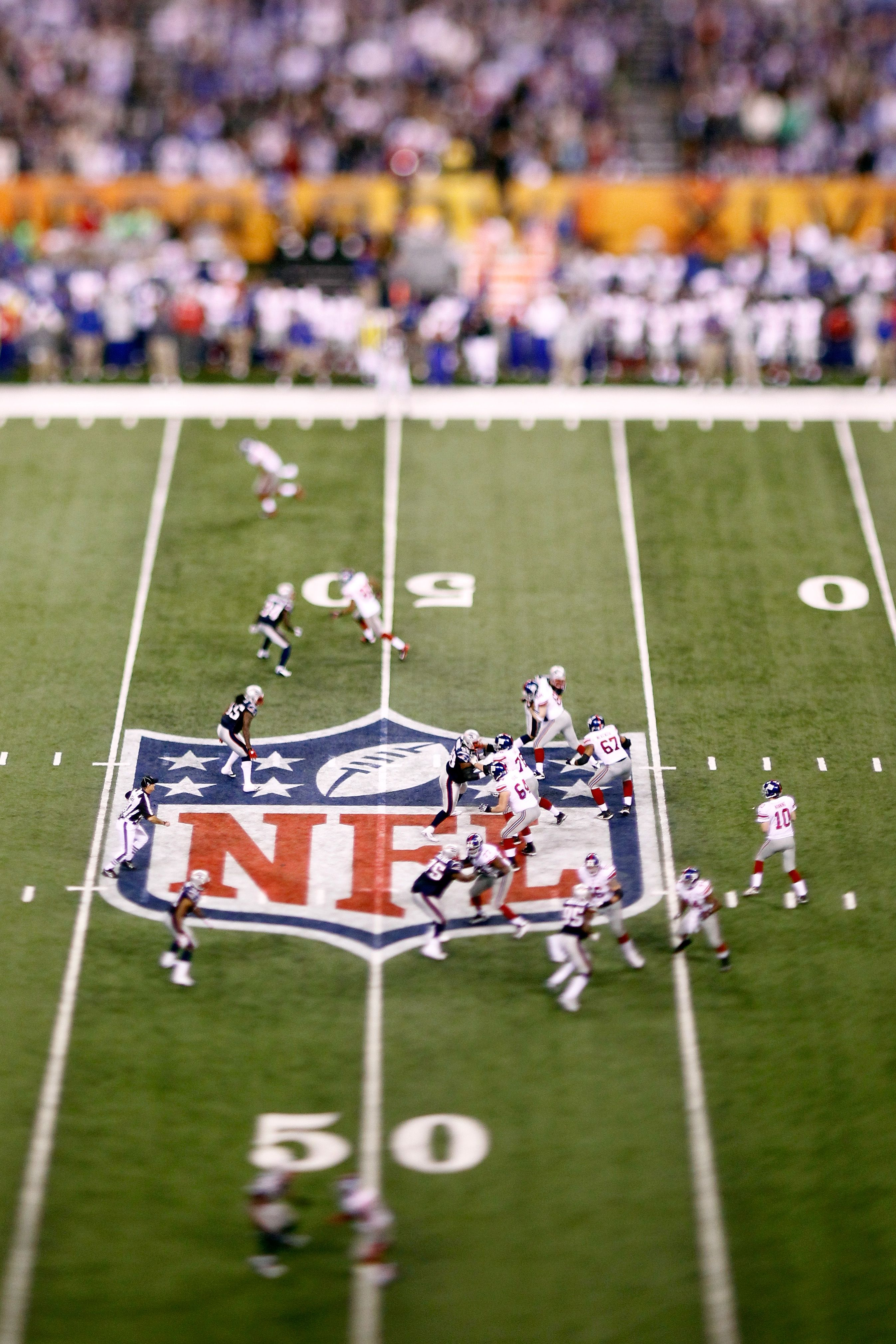 Eli Manning of the New York Giants drops back to pass