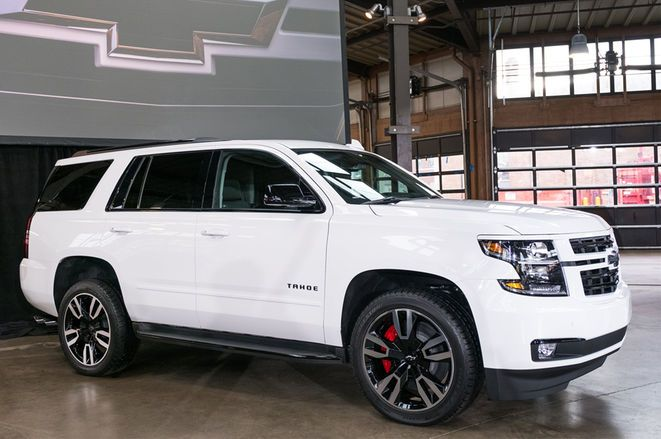 2018 Chevrolet Tahoe And Suburban Rst First Look Suv Cars Car