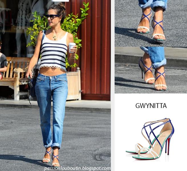 Out In Los Angeles  Alessandra Ambrosio porte des Gwynitta avec un jean et un haut rayé. Ce look décontracté est très réussi, j'adore le jean large associé...