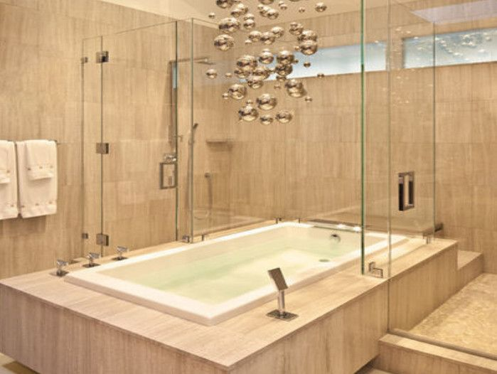 Attirant Luxury Tub Shower Combo