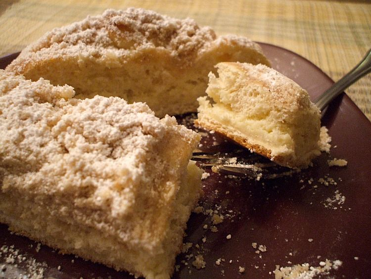 Copycat entenmanns cheese filled crumb cake crumb