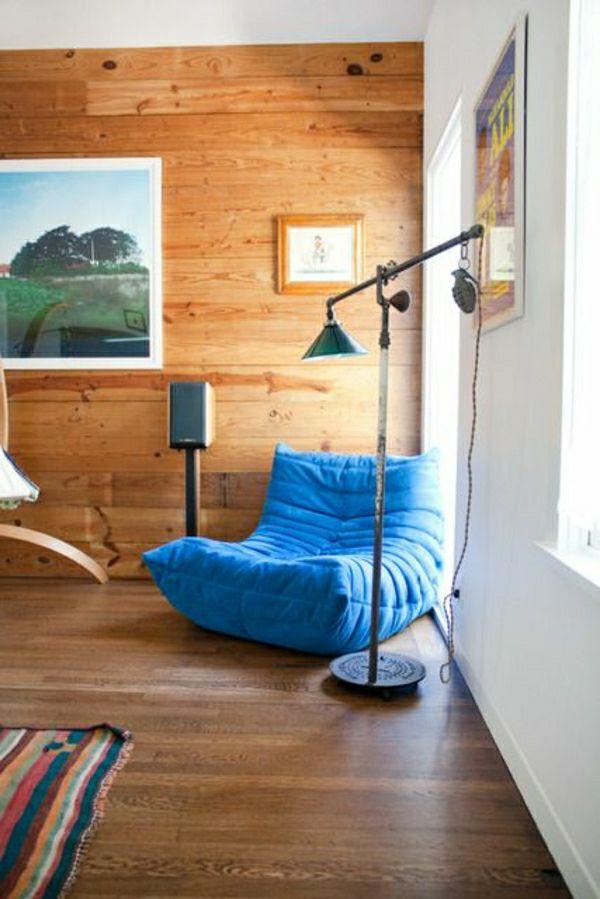 La lampe de lecture, un accessoire ou plutôt une nécessité - peindre un mur en bois