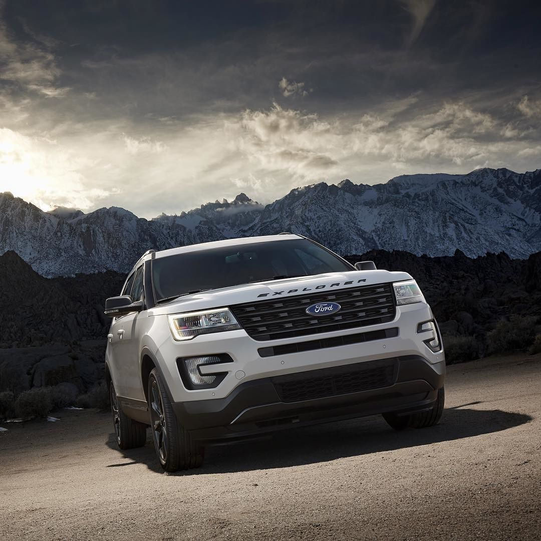 The new 2017 Ford Explorer XLT Sport Appearance
