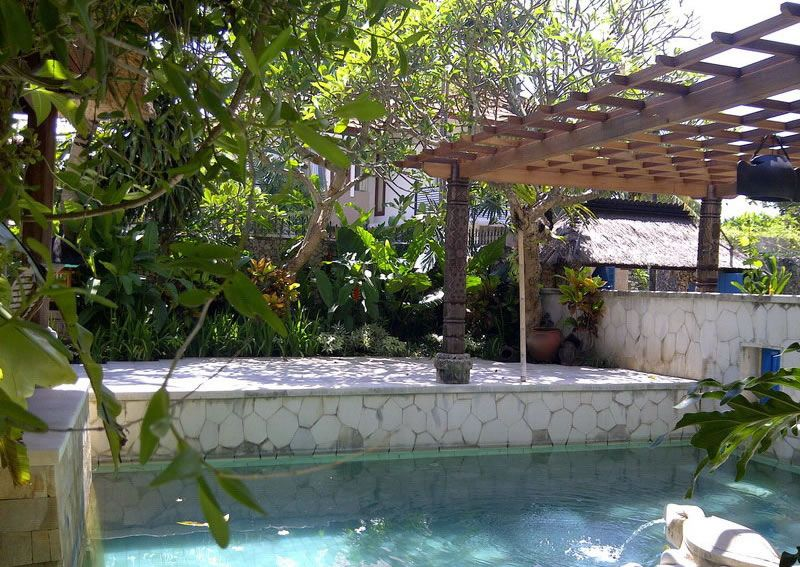 Made Wijaya Blanjong | Tropical garden design, Pool life ...