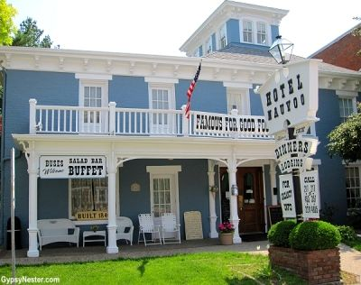 Brunch At The Historic Hotel Nauvoo In Illinois Is Anything But Ordinary