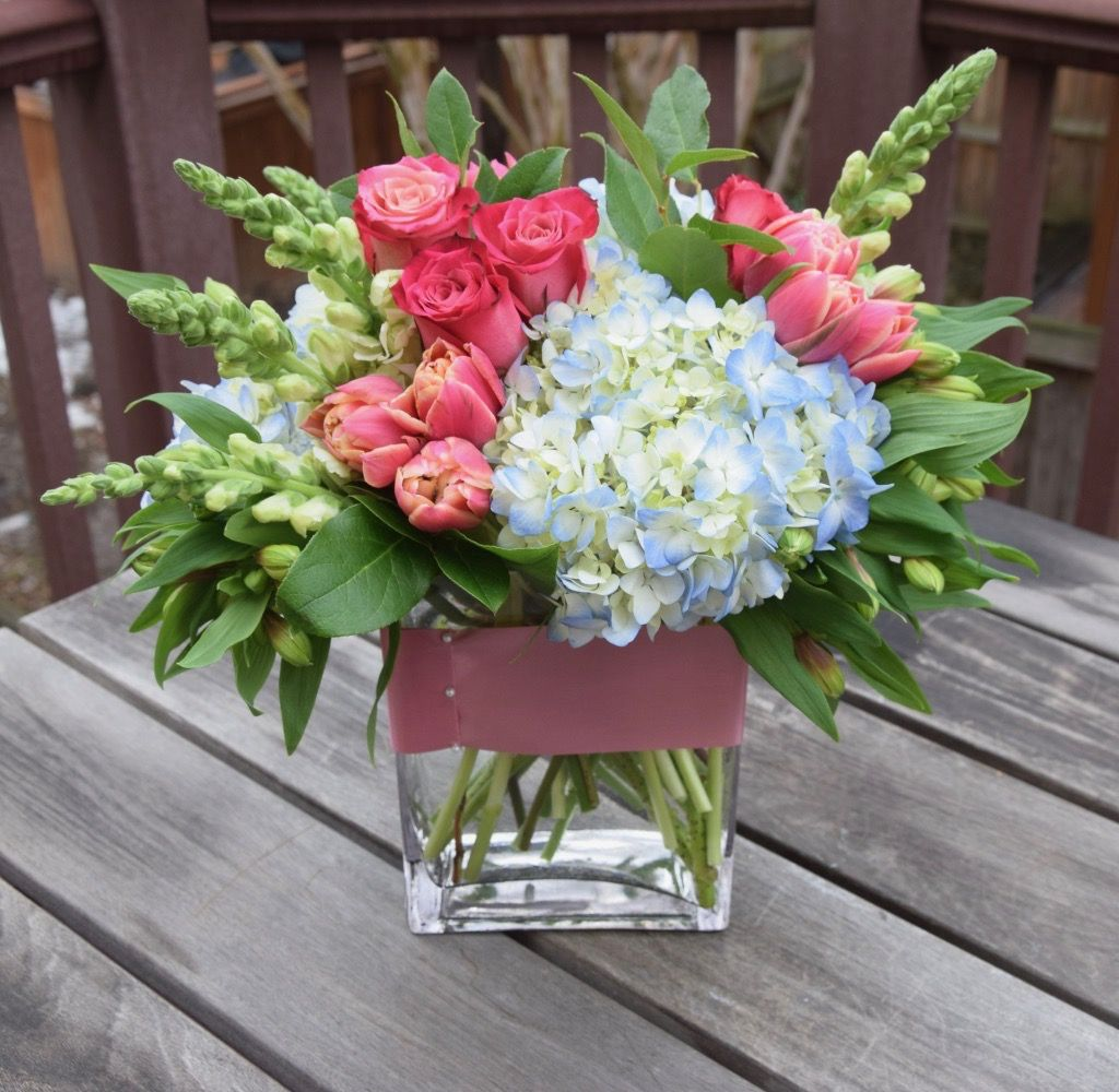 Flower Arrangement With Tulips Snapdragons Roses And Hydrangeas Fresh Flowers Arrangements Floral Arrangements Diy Flower Arrangements
