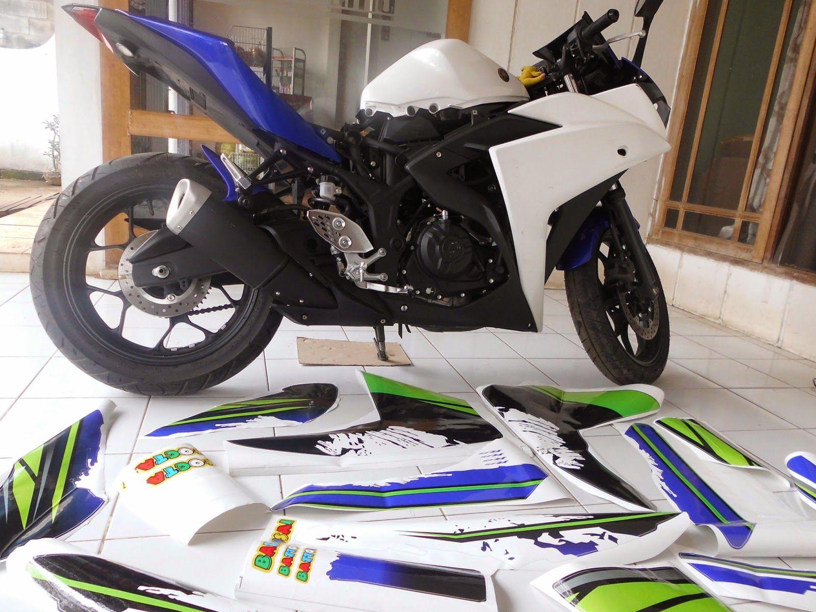 Modifikasi custom stripping motor yamaha r25 dengan motif motogp by digitive barometer sticker digital