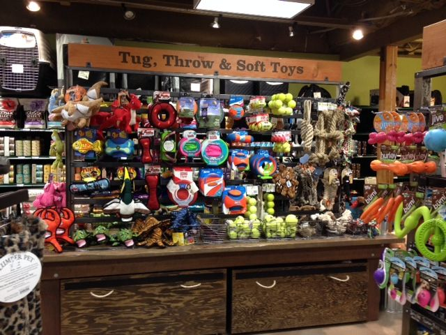 Wulffs Find Success In Pet Food Biz With Images Pet Store