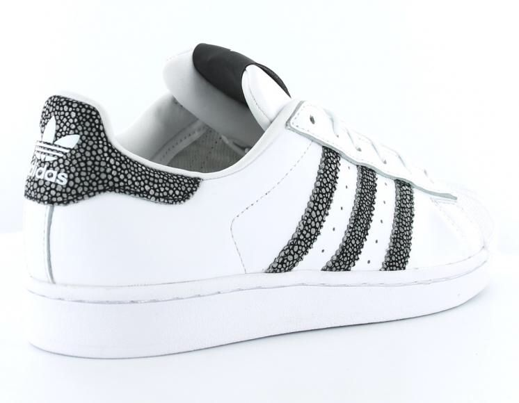 Pin by Total Fashion on chaussures a la mode | Adidas