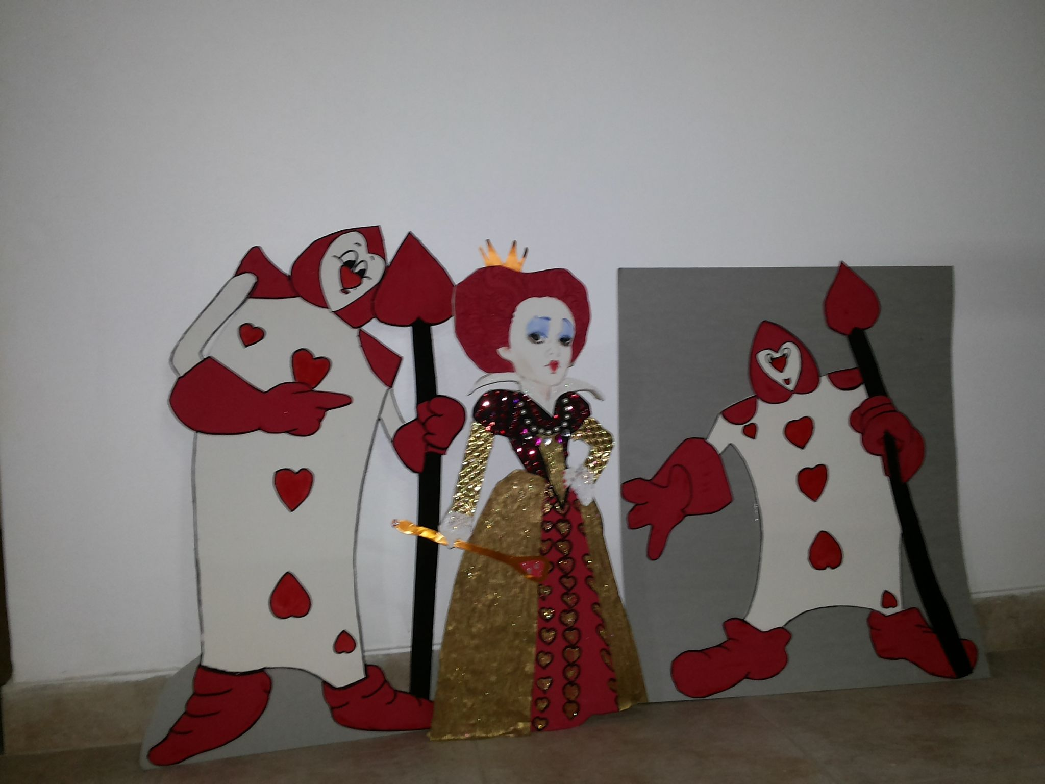 cartas y reina roja | mis trbajos en goma eva | Reina roja ...