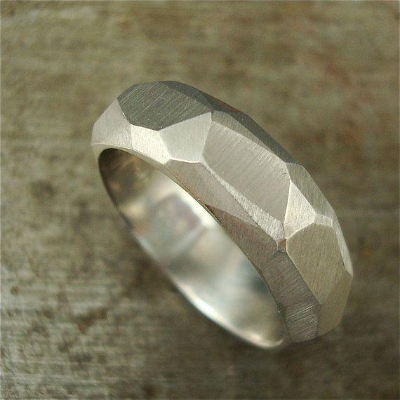 950 Palladium Sterling Silver 14k Yellow Hammer Textured Men/'s Ring Band Wedding Band 14k Rose Gold Platinum White Gold 7mm Wide