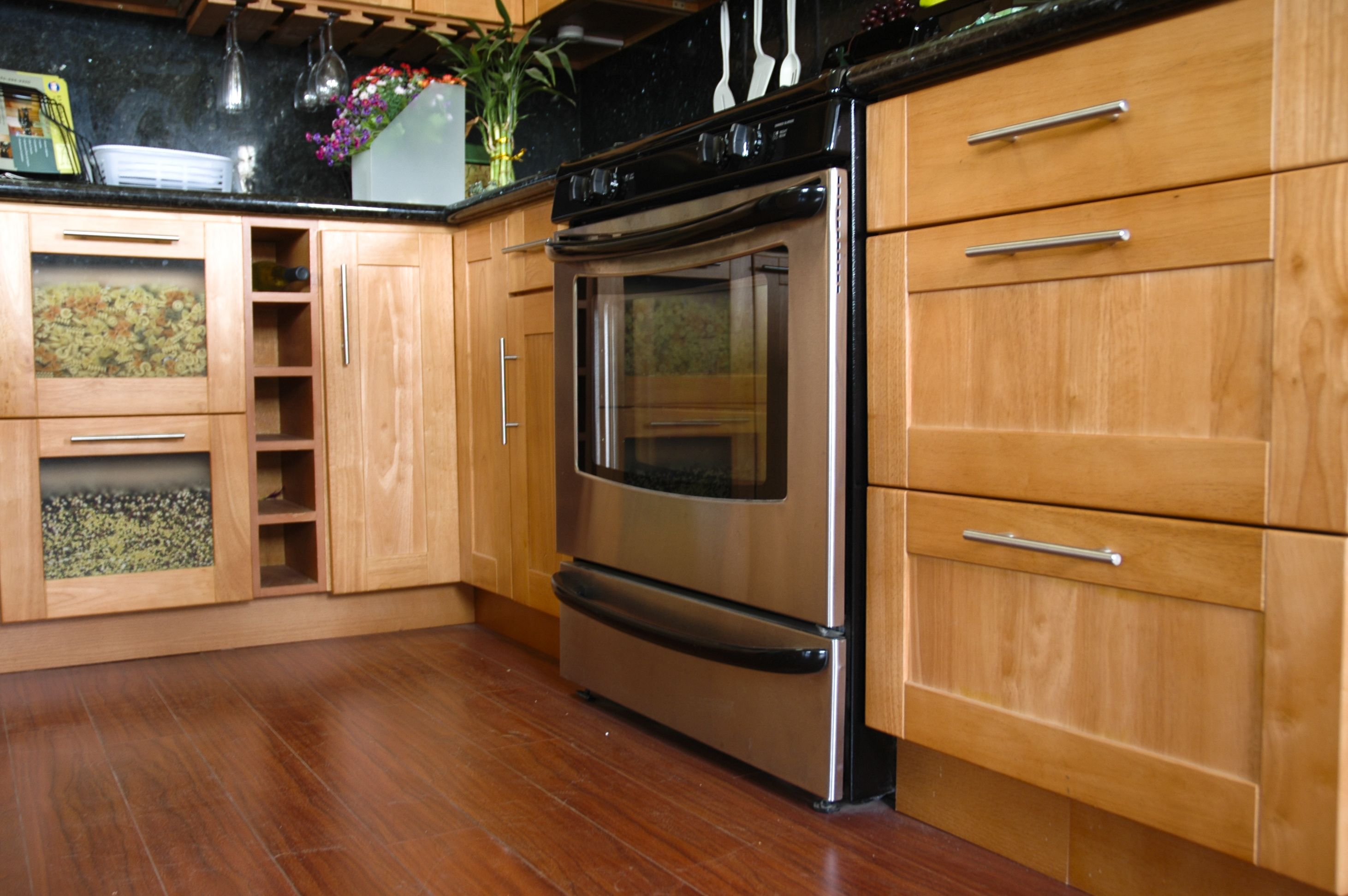 Best Red Oak Kitchen Cabinets Red Oak Shaker New Kitchen 400 x 300