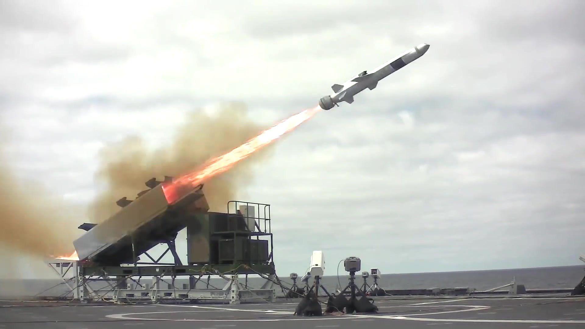 US Navy - USS Coronado (LCS 4) Test Fires Norwegian Naval Strike Missile...