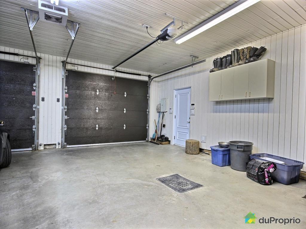 garage de r ve voir ascot corner duproprio ascot corner ascot et corner. Black Bedroom Furniture Sets. Home Design Ideas