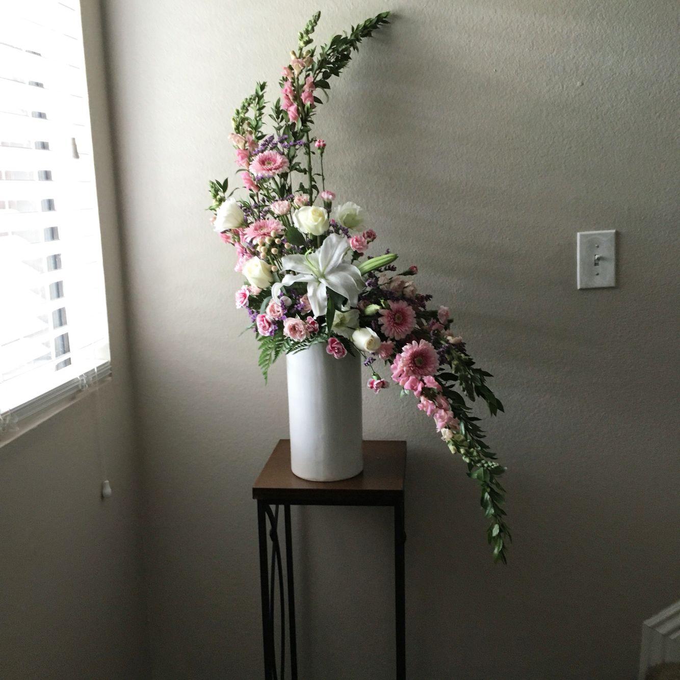 Hogarth shaped arrangement | Flower arrangements, Flowers ...
