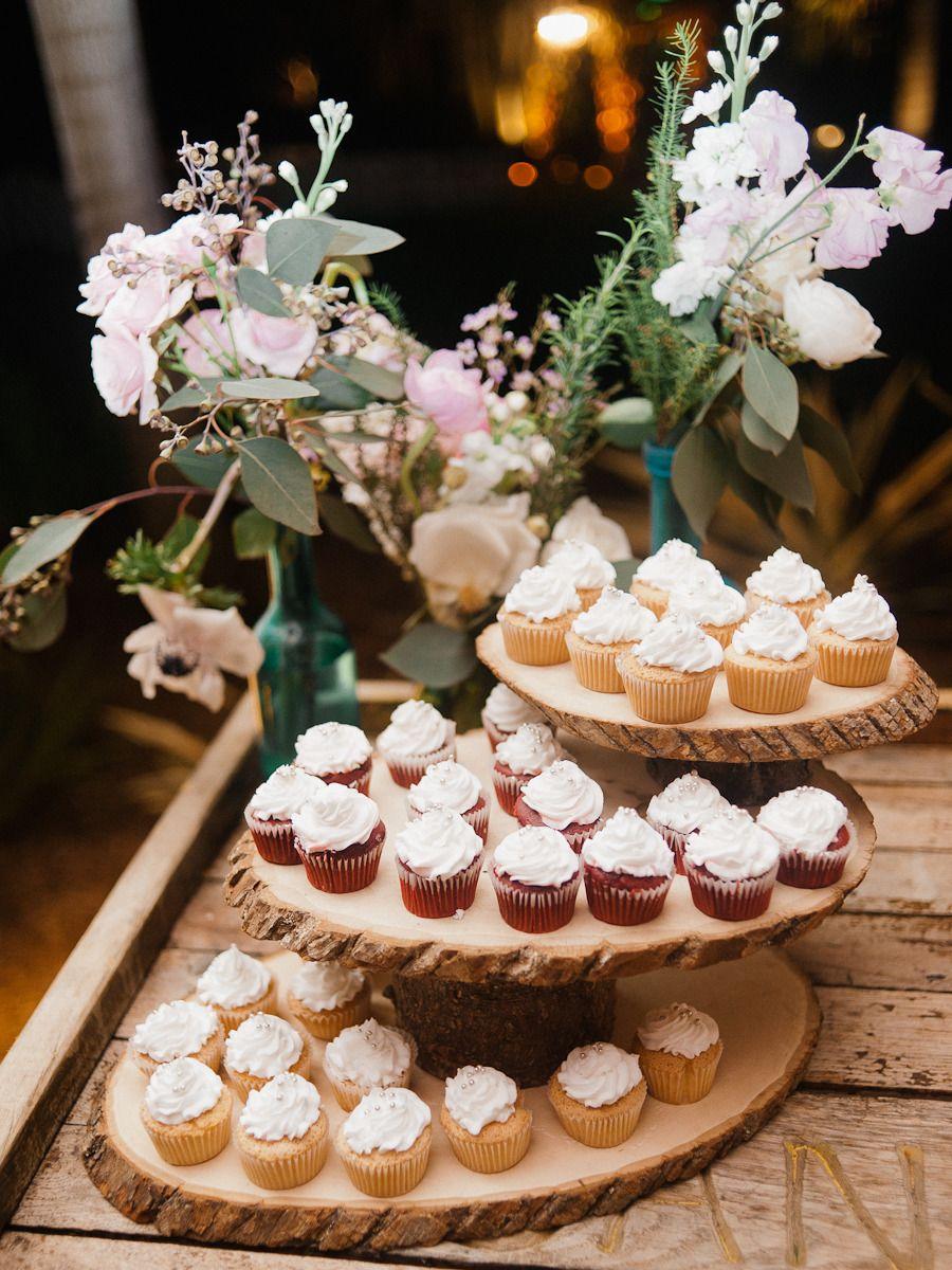 Photography: Merari - merari.com  Read More: http://www.stylemepretty.com/2015/05/28/miami-kampong-gardens-spring-wedding/