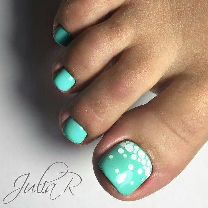 Cool New Nail Designs For Your Toes To Show Off This Season
