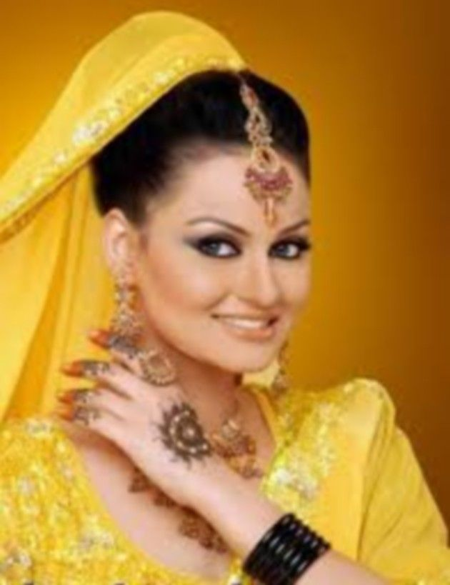 Mehndi Function Makeup Dailymotion : Mehndi makeup tips apply day