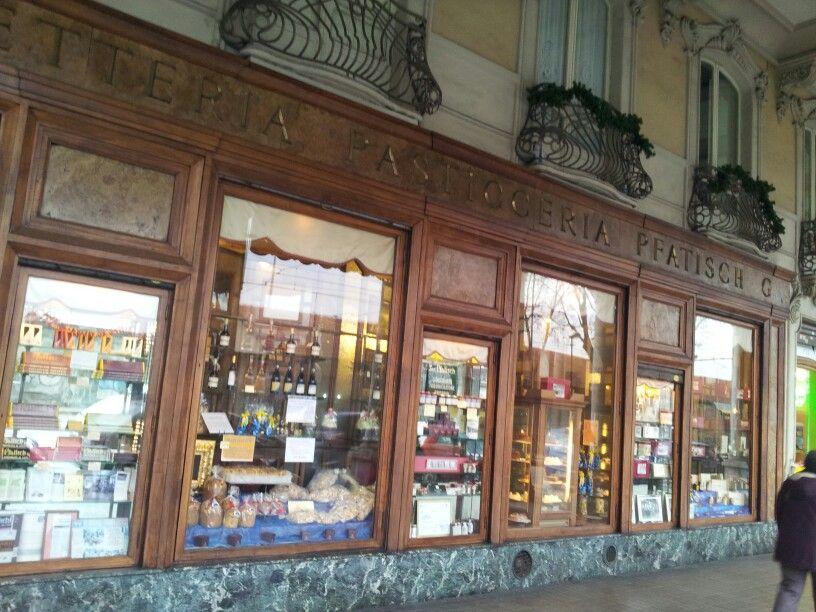 Pfatisch. Uno dei locali storici di Torino. Cioccolato, torte e tante delizie tutte da gustare!