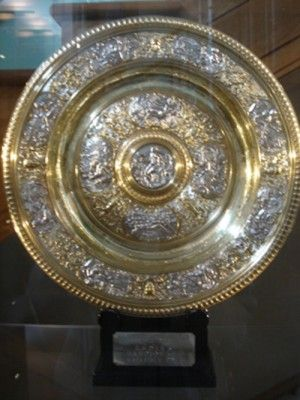 20 Of The Most Iconic Trophies In Sports Total Pro Sports Trophies Sports Trophies Wimbledon Tennis