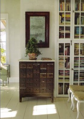 another cool antique cabinet~