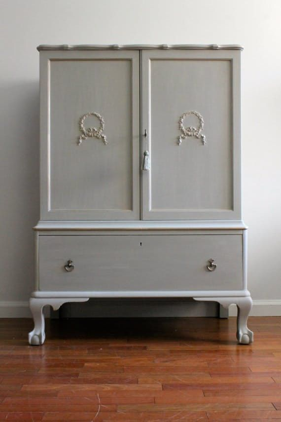 10 Places To Buy Antique And Vintage Furniture Online Cheap Furniture Online Online Furniture Furniture Stores Online