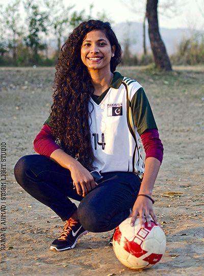 Resultado de imagem para Hajra Khan