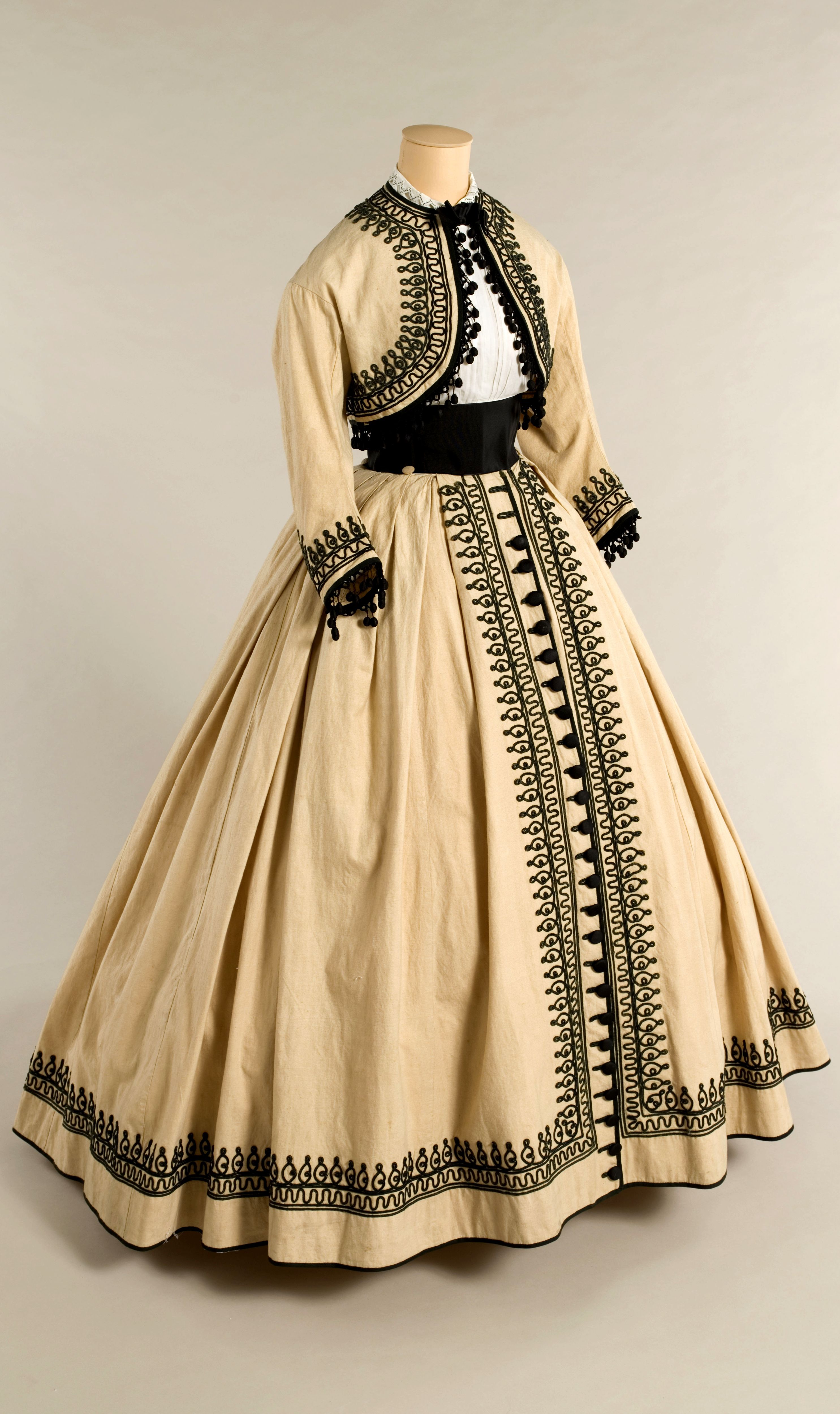 Historical Gold Beize Printed Dresses Historical Dresses Fashion Victorian Fashion [ 5000 x 2970 Pixel ]