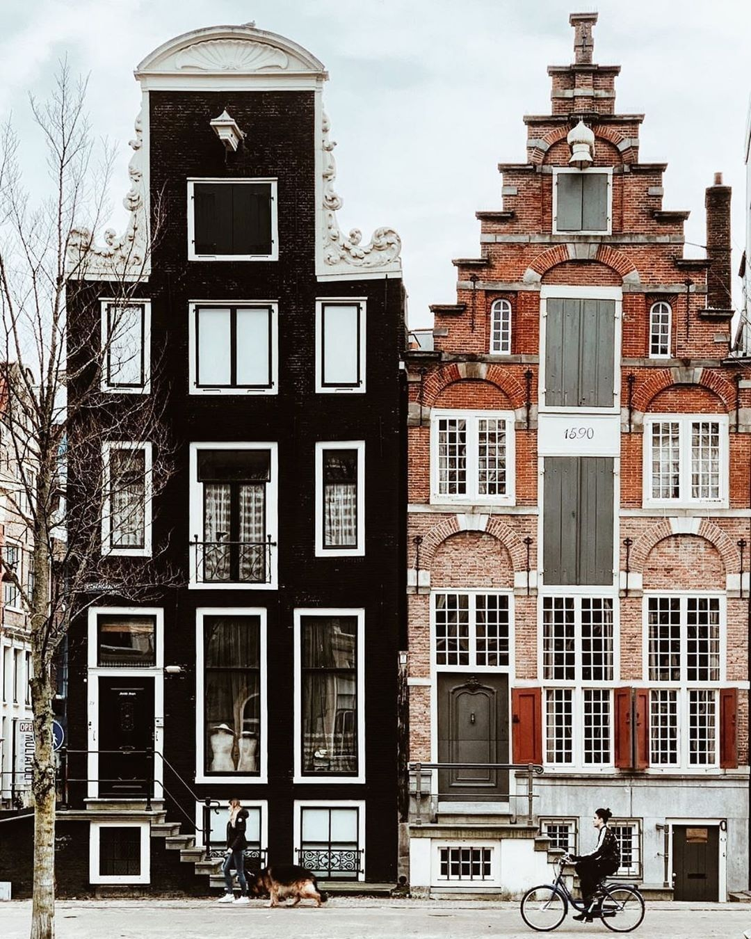 Flash Pack On Instagram From Its Historical Secrets To Modern Spirit Explore This Charming Dutch Capita Amsterdam Houses Beautiful Architecture Architecture