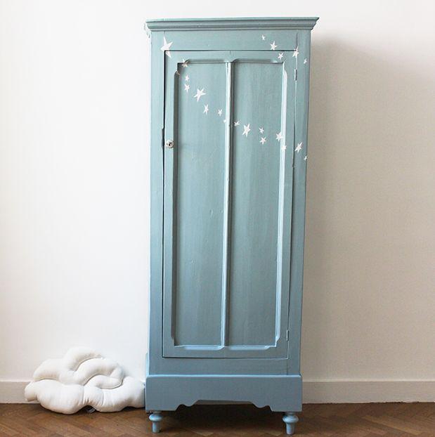 Petite armoire parisienne guirlande du0027étoiles Painted Furniture