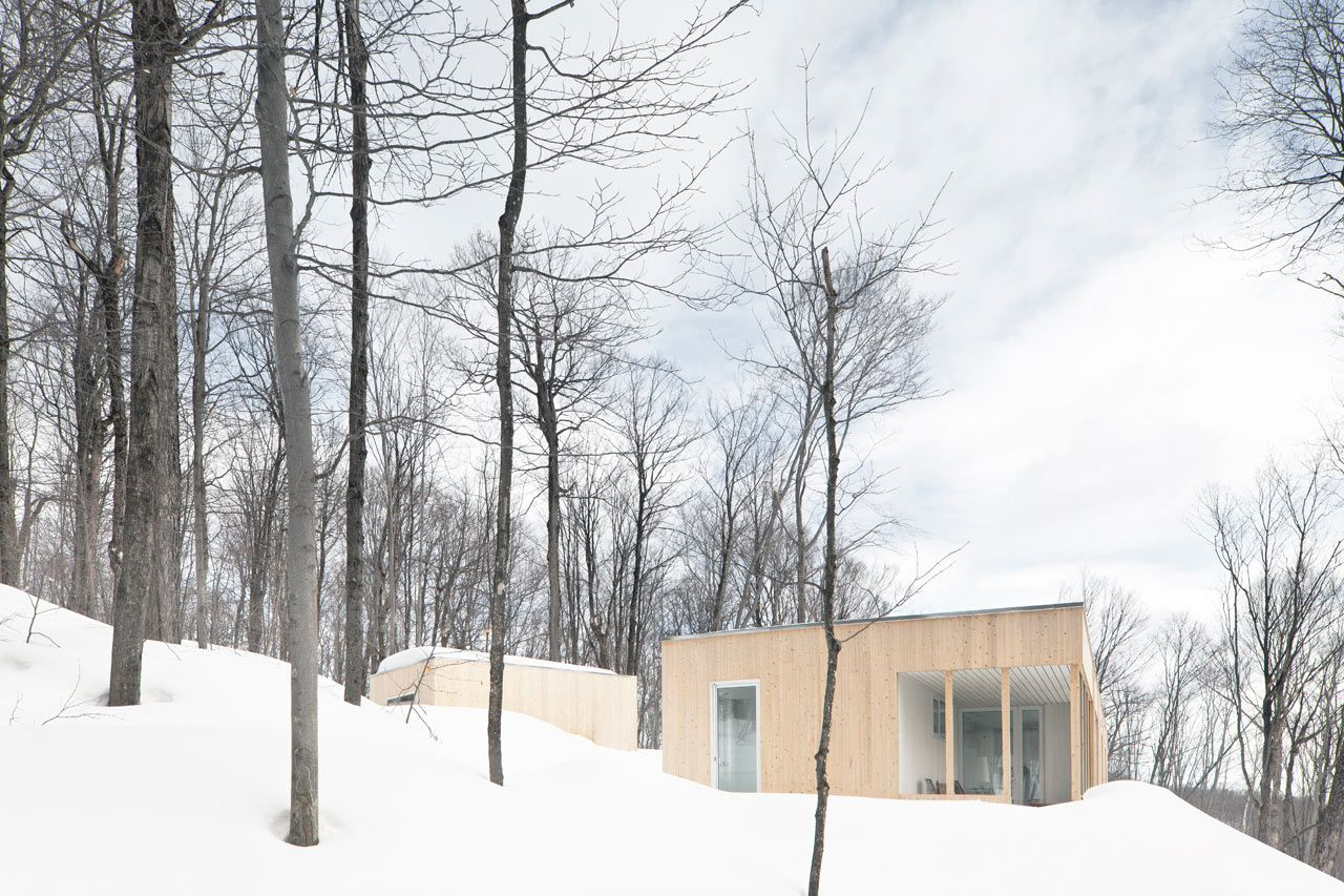 Snowy Canadian Retreat Nestled in the Woods | Architecture, House ...