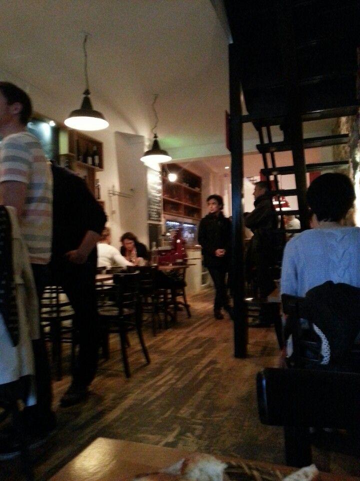I love that place for friends or colleagues dinners Glou à Paris, Île-de-France