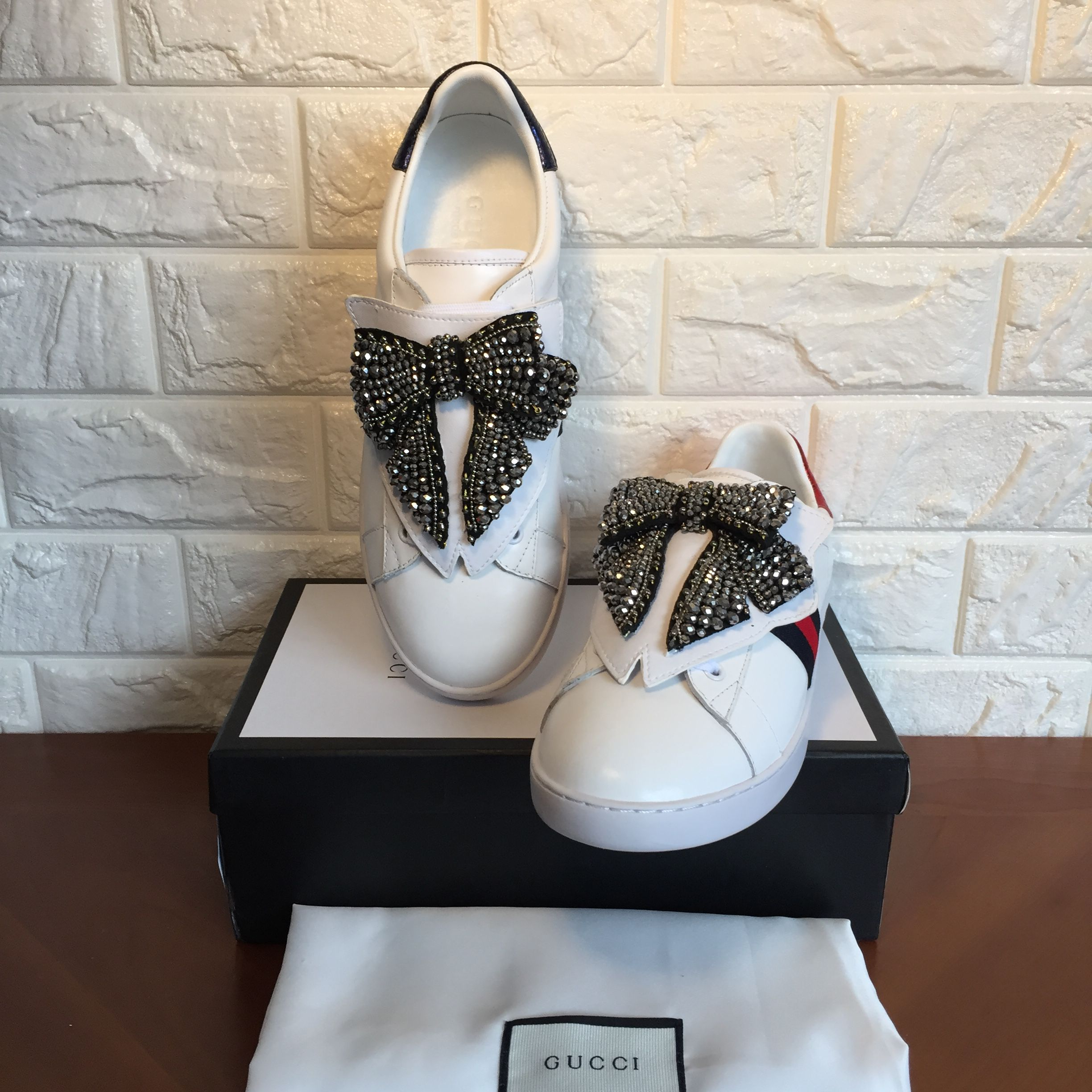 Gucci woman shoes bow tie tag sneakers