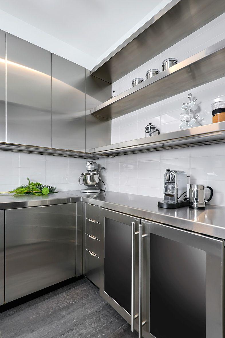 Highland Park Kitchen Clean And Modern Kitchen Design Stainless Steel Kitchen St Kitchen Interior Industrial Kitchen Design Stainless Steel Kitchen Cabinets