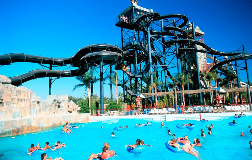 Six Flags Magic Mountain Hurricane Harbor Santa Clarita Ca Hurricane Harbor Water Park Six Flags