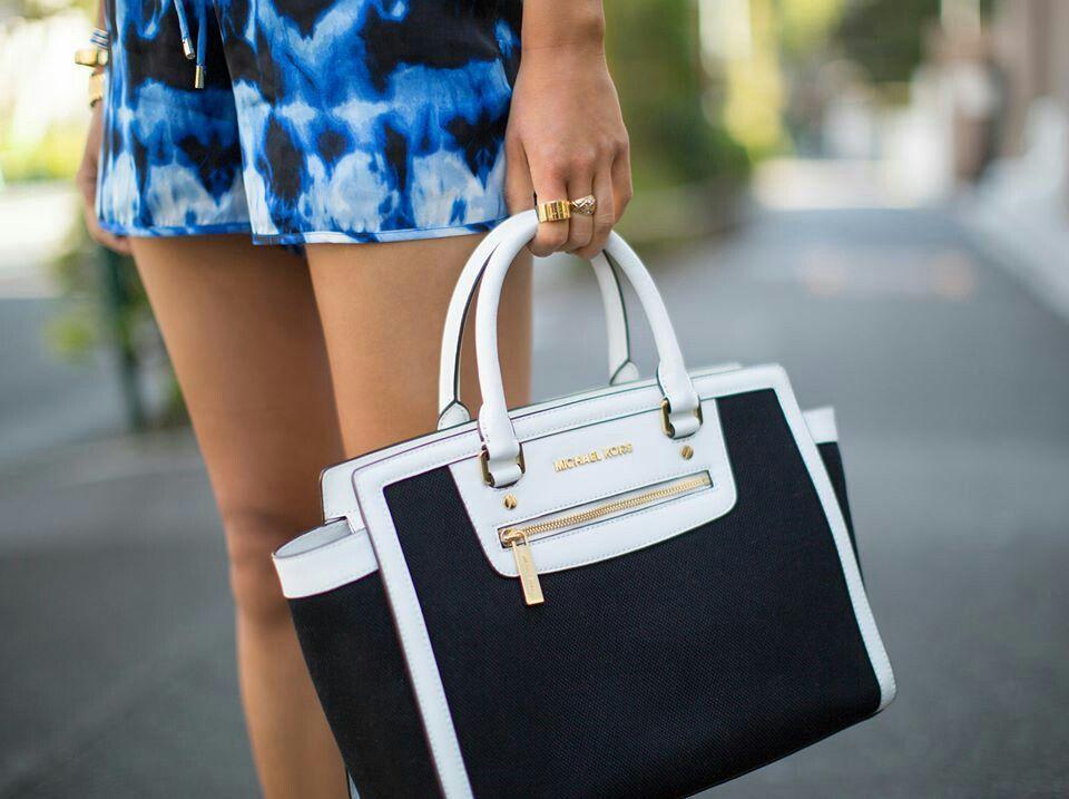 Love this MK bag#black#white#JetSetSelma
