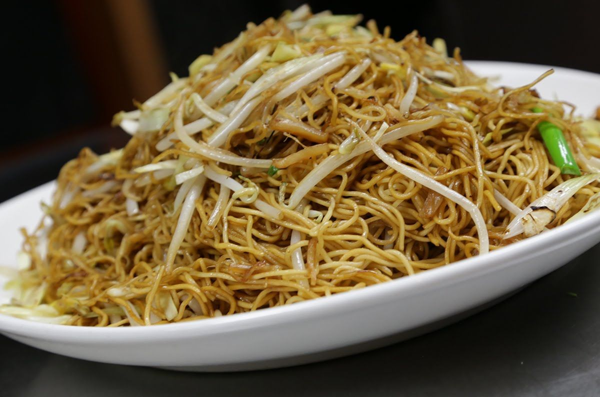 Stir fried egg noodle with dried scallops chinese food stir fried egg noodle with dried scallops forumfinder Image collections