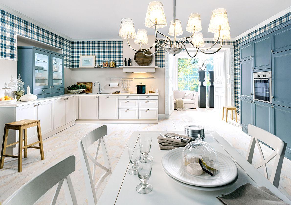 Wunderschöne, Verträumte Landhausküche In Blau Und Weiß