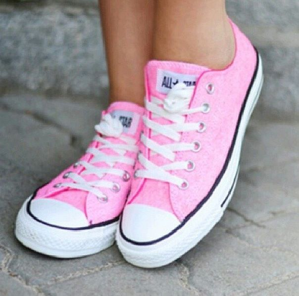 ebfe42256165 pretty in pink converse! I m a flip flop girl to my inner core but I would  absolutely LOVE these light pink shoes!