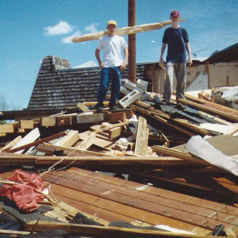 Haysville Tornado May 3 1999 The Sanctuary Of The First Christian Church State Of Kansas Christian Church Sanctuary