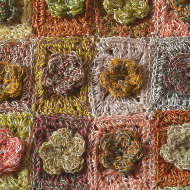 """Petite écharpe Sophie Digard en lin """"roses en relief lilliput"""""""
