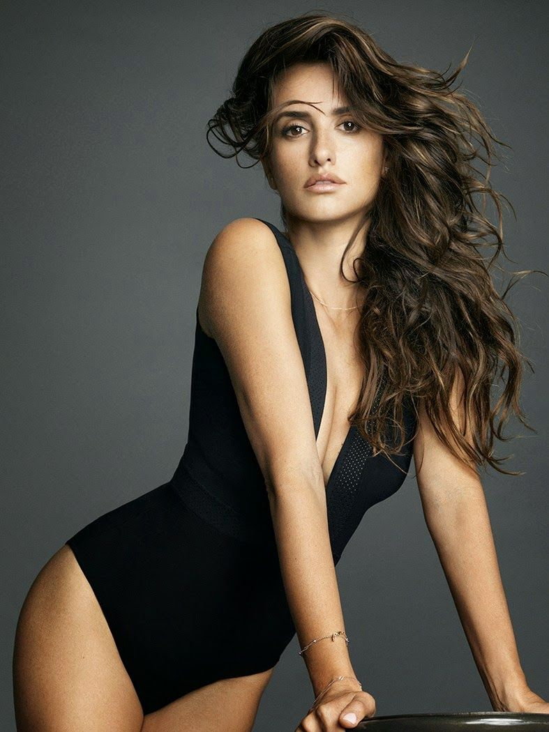 SPANISH ACTRESS PENELOPE CRUZ IN THE SEXIEST WOMAN ALIVE ...