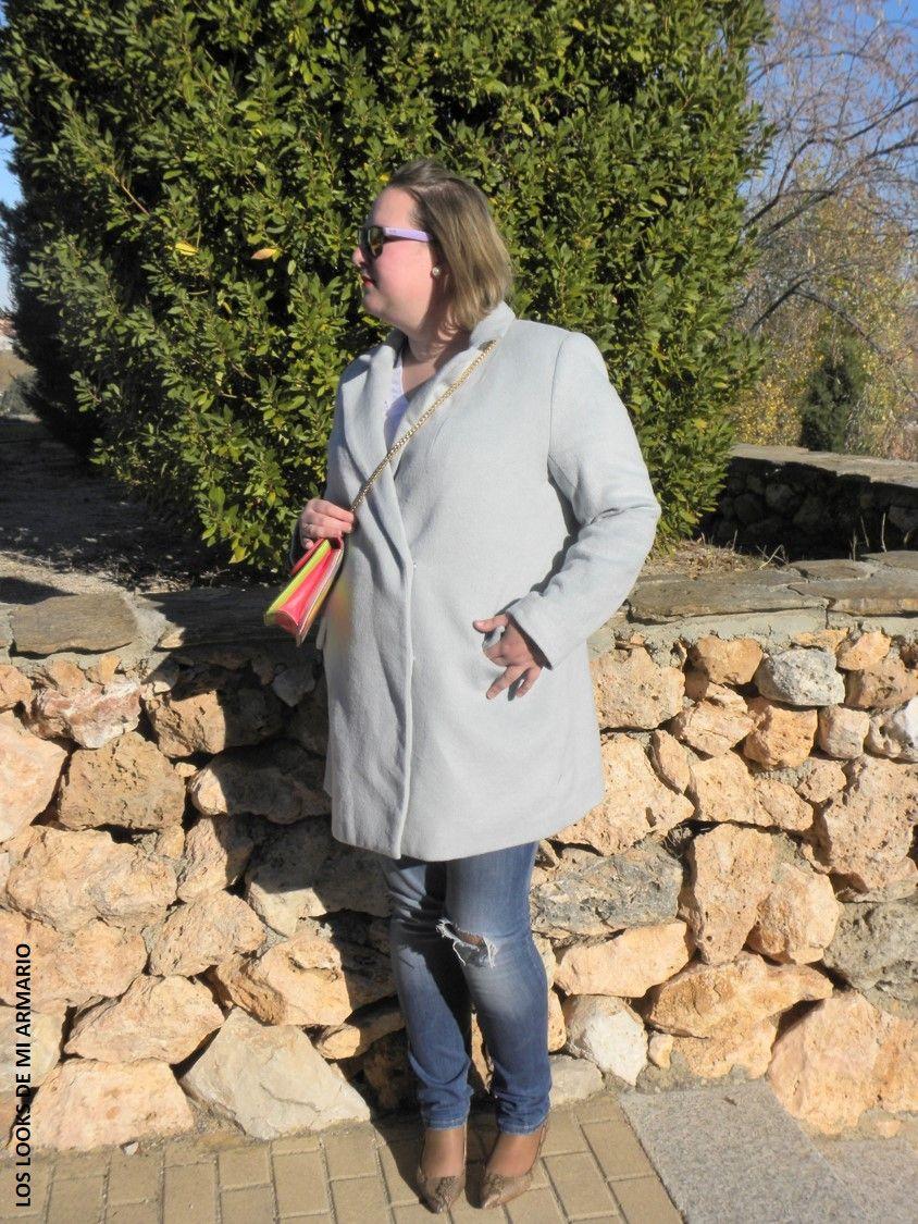 Casual Look. Look con abrigo masculino y jeans skinny. LOS LOOKS DE MI ARMARIO. #loslooksdemiarmario #winter #violetabymango #outfitcurvy #invierno #look #lookcasual #lookschic #tallagrande #curvy #plussize #curve #fashion #blogger #madrid #bloggercurvy #personalshopper #curvygirl #primark #lookinvierno #lady #chic #looklady #camisablanca #coat #azulbebe #abrigo #lookjeans #look #jeans
