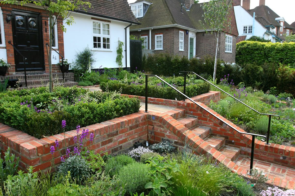 Chic modern garden design in chelsea by declan buckley with steps and - Find This Pin And More On Home Outdoor Spacious Garden Design