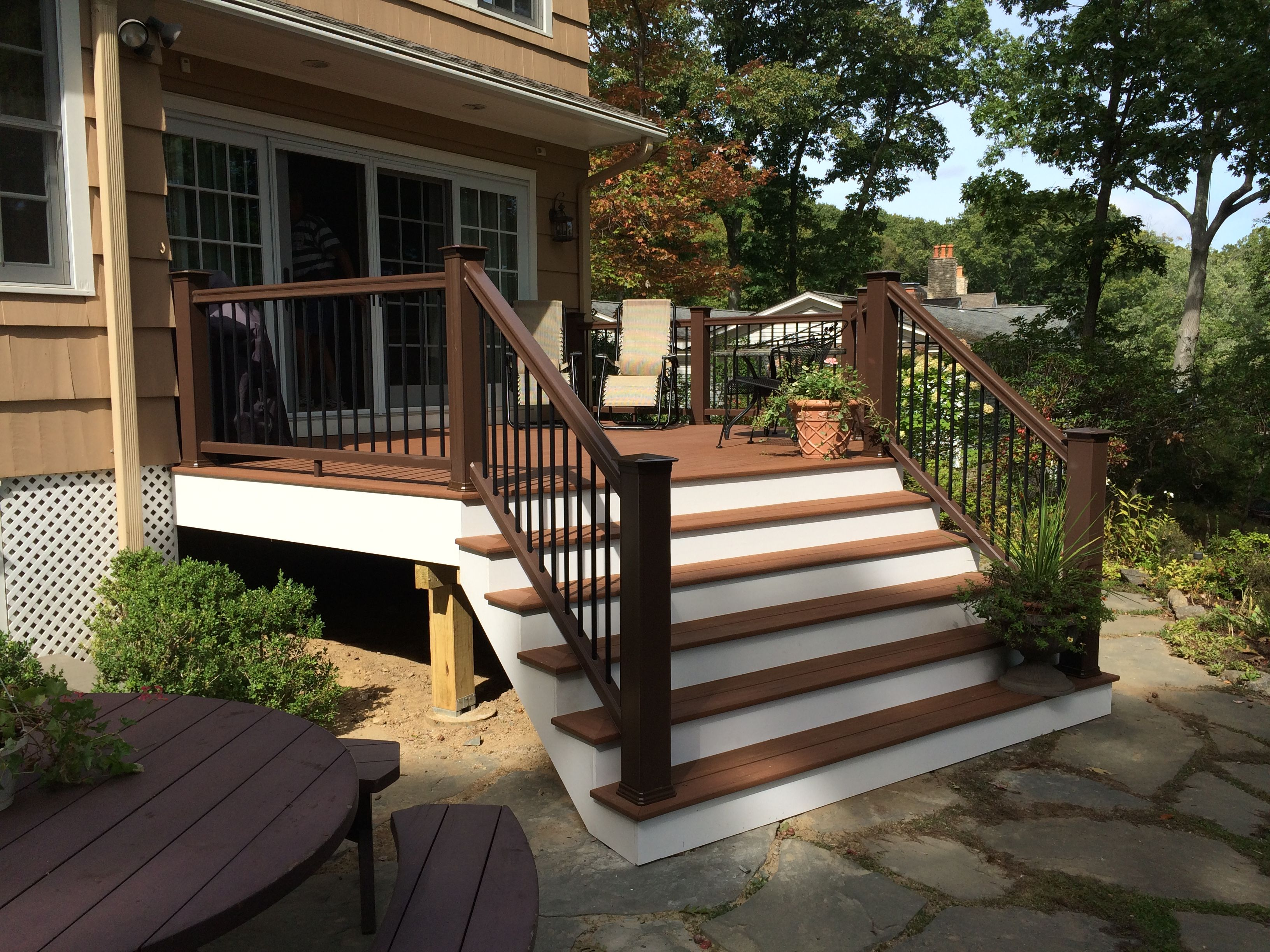 Beautiful Deck replacement using AZEK Vintage decking & TimberTech