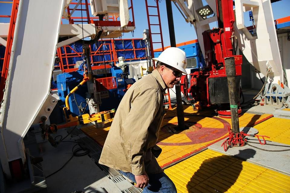 Bulging Natural Gas Storage Should Terrify Energy Investors With Images Oil Industry Gas Apache